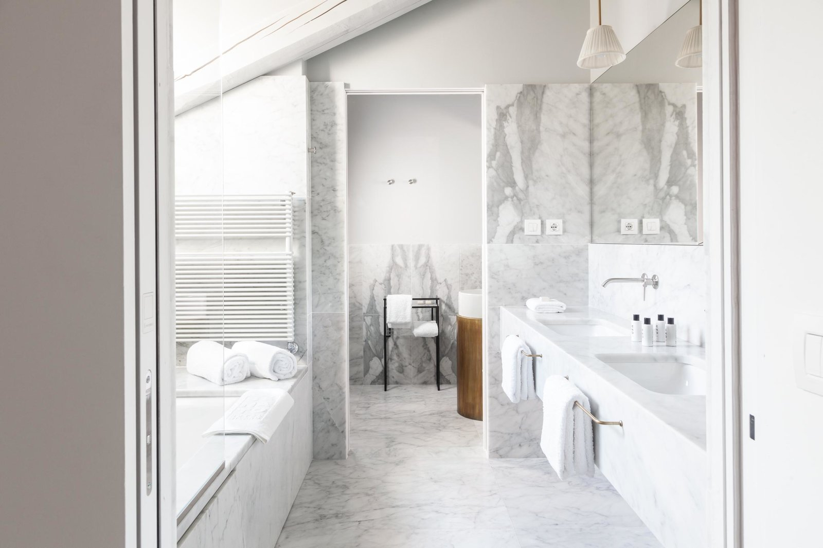 Bath Room, Undermount Tub, Marble Counter, Pendant Lighting, Undermount Sink, and Marble Wall  Senato Hotel Milano