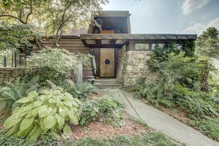 This Quirky Abode Built By a Frank Lloyd Wright Apprentice Wants $575K