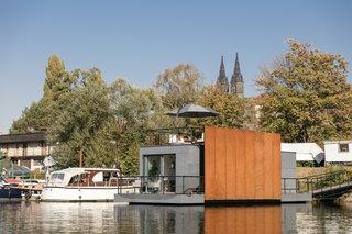 A Prefabricated Tiny House Sets Down Anchor Along the Vltava River in Prague