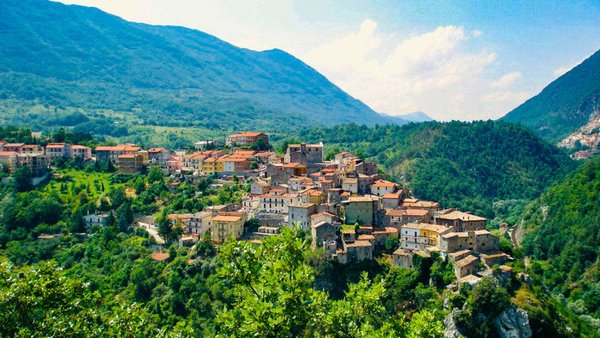 An Entire Region of Italy Will Pay You $27,000 to Move There