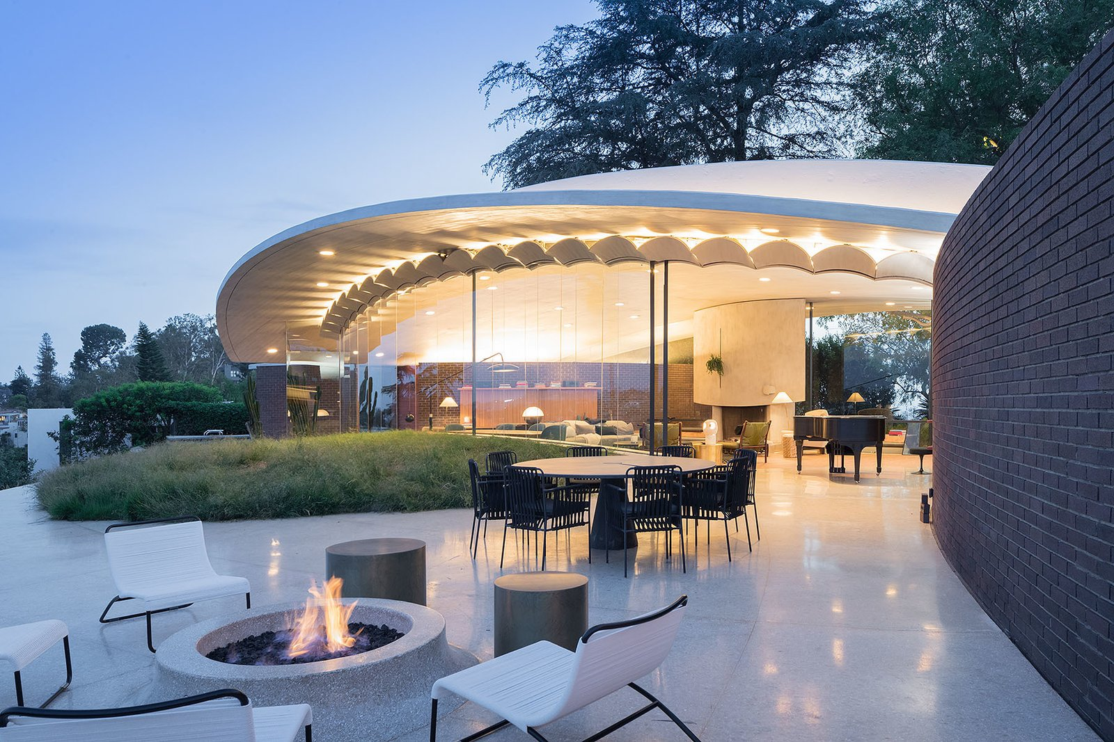 Trend Report: Architect Barbara Bestor Sounds Off on the New Glass House