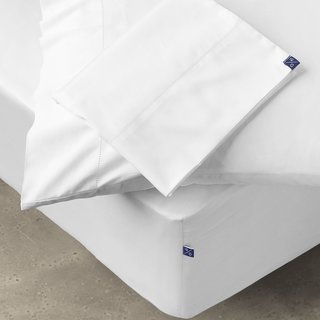 10Grove The Madison Pillowcase and Sheet Set