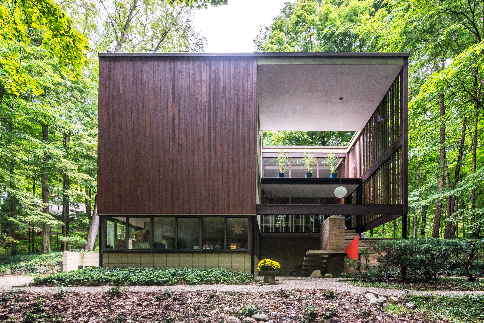 Photo 1 of 12 in An Award-Winning Midcentury Home Just Hit the Market for the First Time