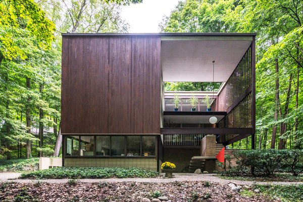 An Award-Winning Midcentury Home Just Hit the Market for the First Time