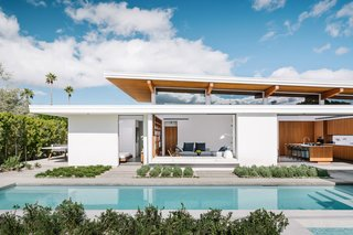"""This Palm Springs Prefab Is a """"Living Lab"""" for its Designer Residents"""