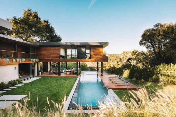 You Can Live Like an A-Lister in This Secluded, Treehouse-Like Home in Beverly Hills