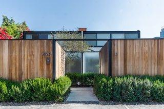 Case Study Designer Craig Ellwood's Landmarked Courtyard Apartments List for $2.85M