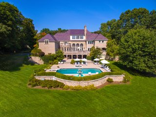 TV Host Regis Philbin Lists His Stately Connecticut Home for $4.6M
