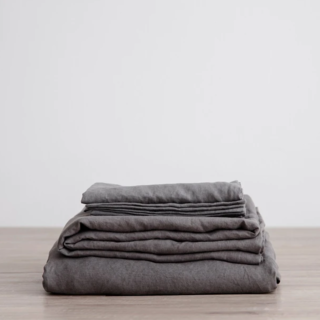 Cultiver Charcoal Gray Linen Sheet Set With Pillowcases