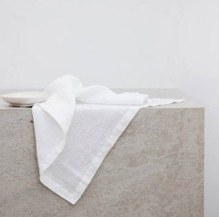 Cultiver White Linen Table Napkins