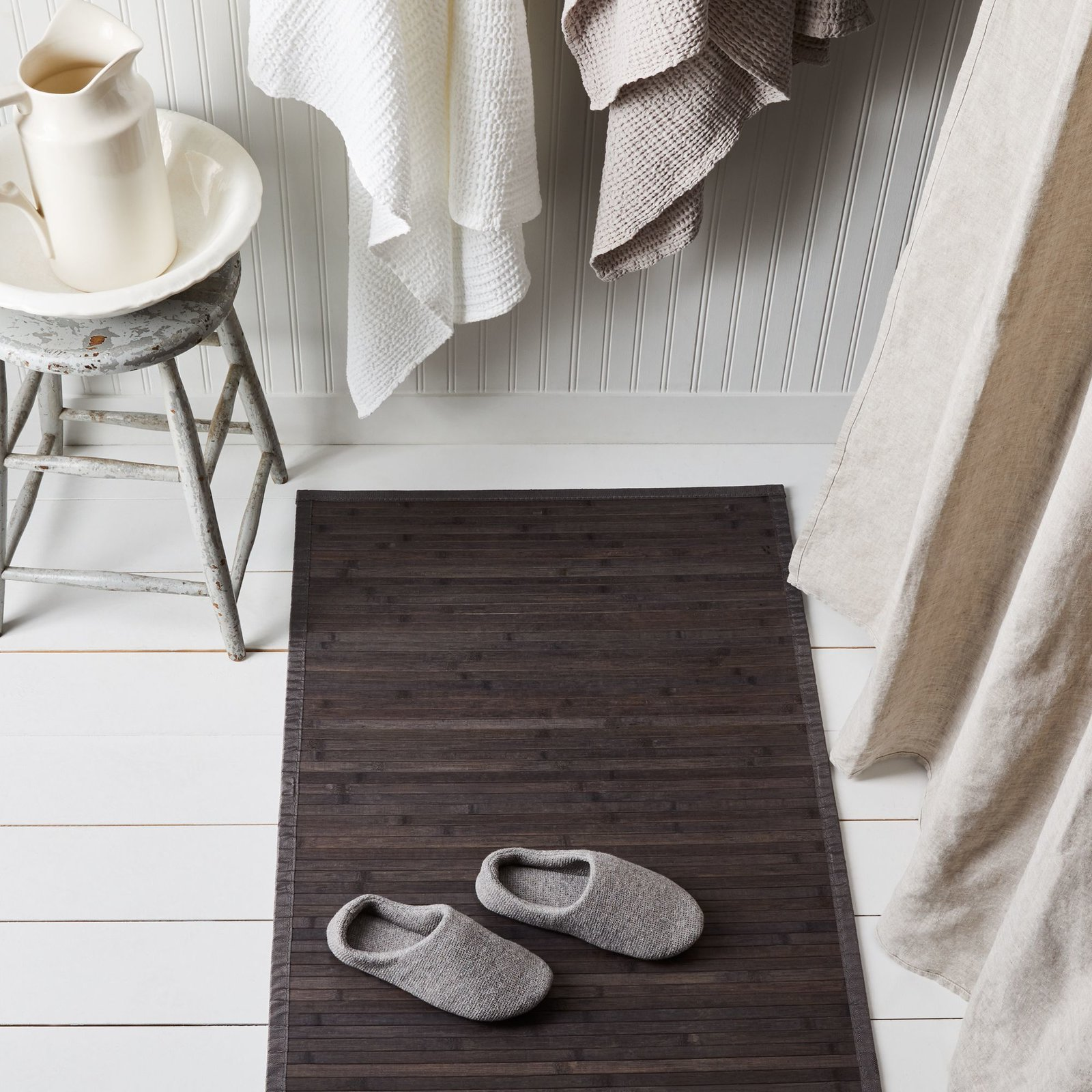 Shop Modern Bath Bed Bath Rugs Dwell