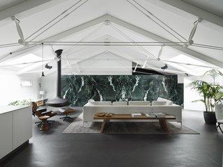 An Italian Apartment Riffs on a Mies van der Rohe Masterpiece