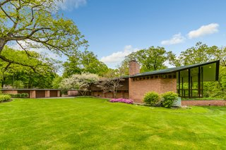 This Recently Listed Frank Lloyd Wright Home Is a Refreshing Blend of Old and New