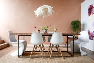 A Cleveland Designer Turns a Bare-Bones Loft Into the Perfect Entertaining Space