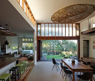 Vegetation Cocoons This Tranquil Beach House in Australia