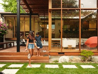 A Midcentury Home Renovation Celebrates Its Striking, Open-Truss Ceiling