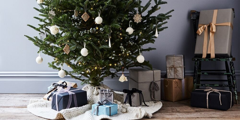 Photo 1 of 1 in 27 Festive Ways to Decorate This Holiday Season