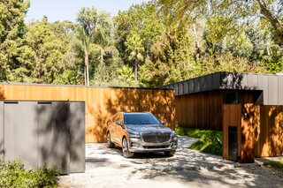 An Architect's Matte Black Los Angeles Home Opens Wide to the Great Outdoors