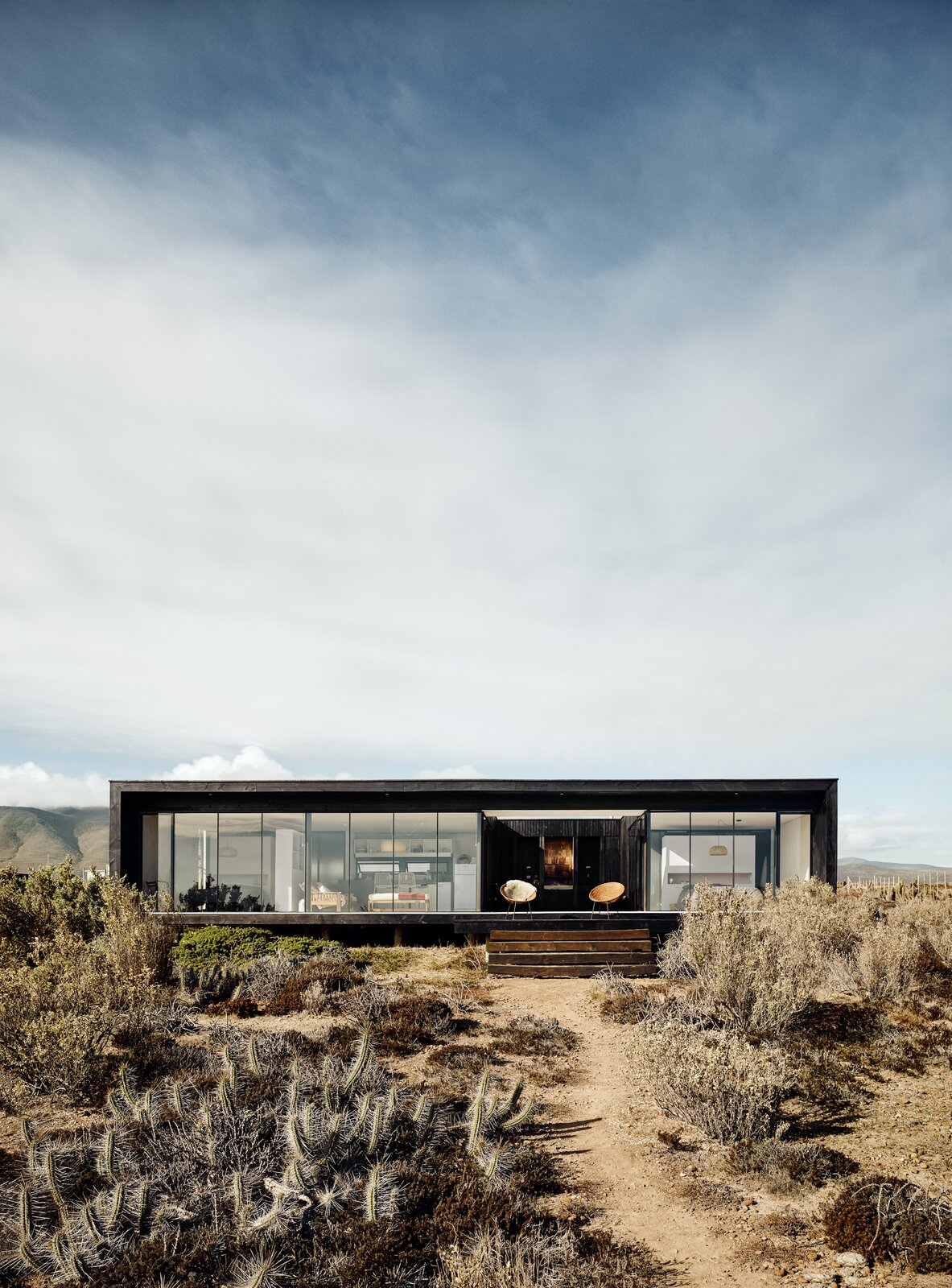 Outdoor and Desert  Photo 2 of 10 in A Streamlined Home in Chile Straddles the Line Between Desert and Ocean