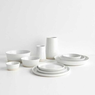 Thrown Gloss White Dinnerware Collection