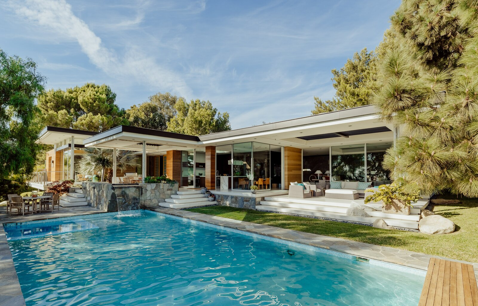 A Midcentury Home in Malibu Shines After a Radiant Renovation