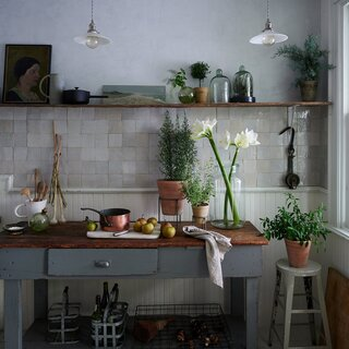 26 Chic Pots and Planters to Instantly Upgrade Your Greenery
