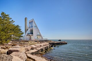A Remarkable Seaside Cabin in Connecticut Hits the Market for the First Time