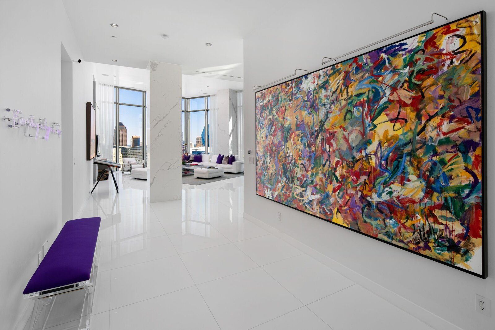 Photo 1 of 10 in An Indoor/Outdoor Penthouse With Downtown Dallas Views Wants $5.7M