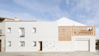 A City Dwelling in Spain Puts a Premium on Outdoor Space