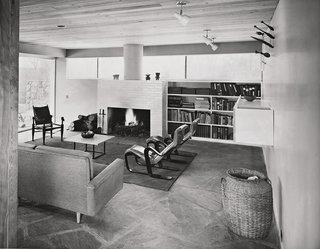The third house that Breuer built for his family is located in New Canaan, Connecticut, and showcases many of the designers' furnishings, including his Isokon armchairs from 1935. (1951)