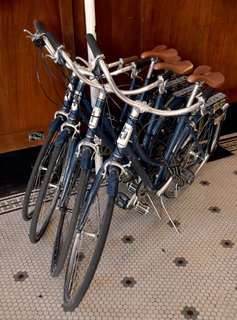 As a city that caters to a bike culture, it's fitting that you can rent bikes from the Ace Hotel lobby. Take one for a spin after grabbing a bite at their cozy breakfast room.