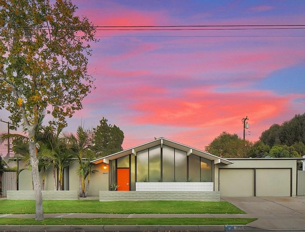 This Quintessential Eichler Will Hit All Your Midcentury Goals—and It's For Sale