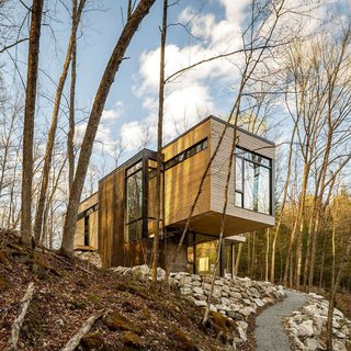 Christopher Simmonds Architect left the eastern white cedar on the exterior untreated in order to allow it to age naturally.