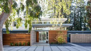 A Year of Careful Study Leads to a Thoughtful Renovation of a 1949 Eichler