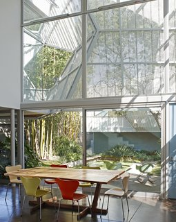 A Perforated Screen Brings Privacy and Natural Light to This Bold Venice Home - Photo 3 of 9 -