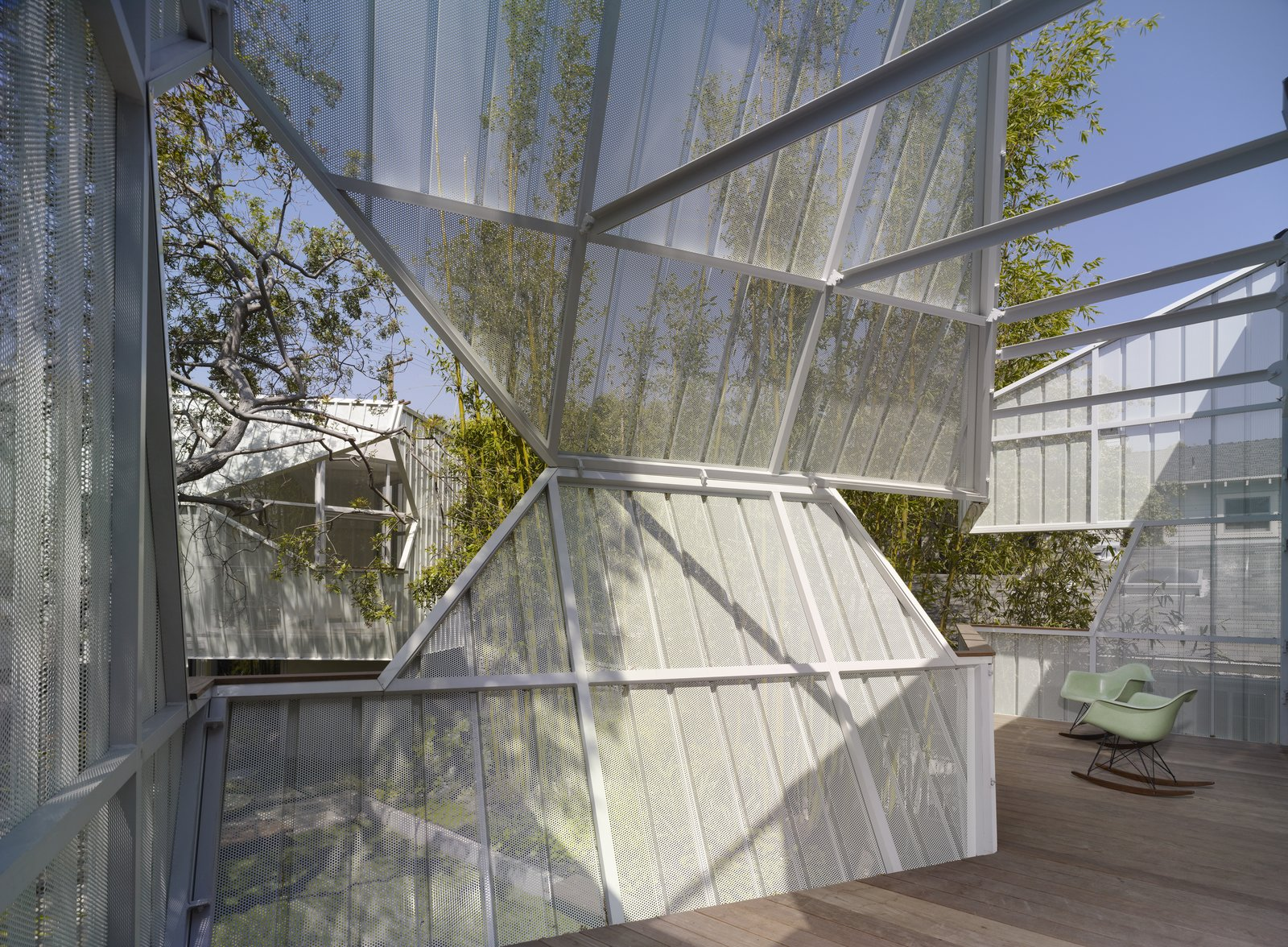 Outdoor  Photo 9 of 10 in A Perforated Screen Brings Privacy and Natural Light to This Bold Venice Home