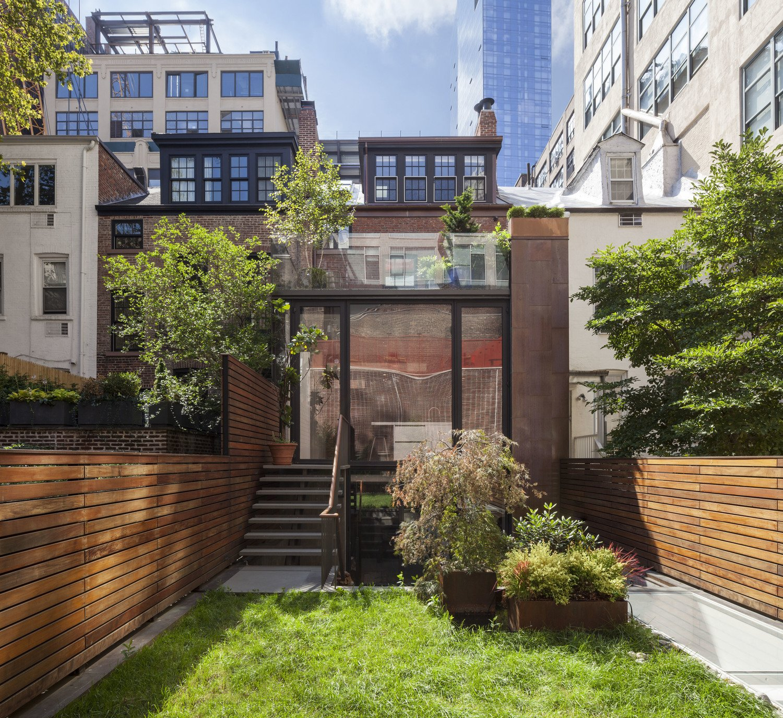 Vandam Street Townhouse by Matthew Baird Architects