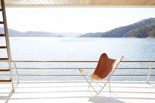 Lake Eildon Houseboat