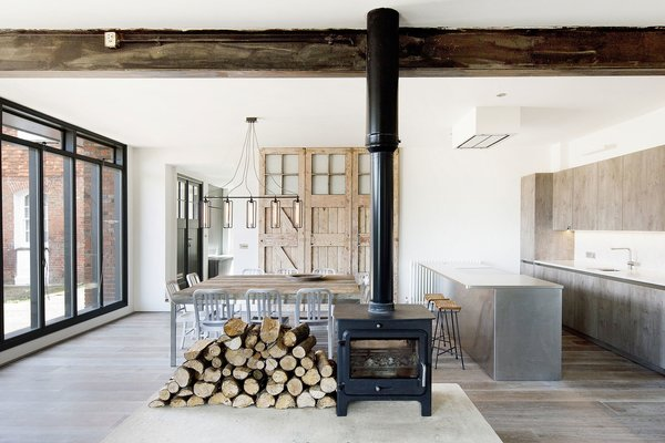 © Vojteck Ketz courtesy of Marta Nowicka & Co.  Photo 17 of 19 in 10 Dwell-Approved, New-Old Homes in the UK
