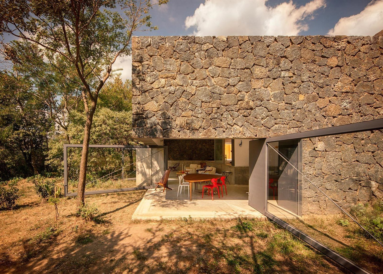 Photo 1 of 11 in 10 Retreats in Mexico For the Modernists Who Love the Outdoors from Casa Meztitla