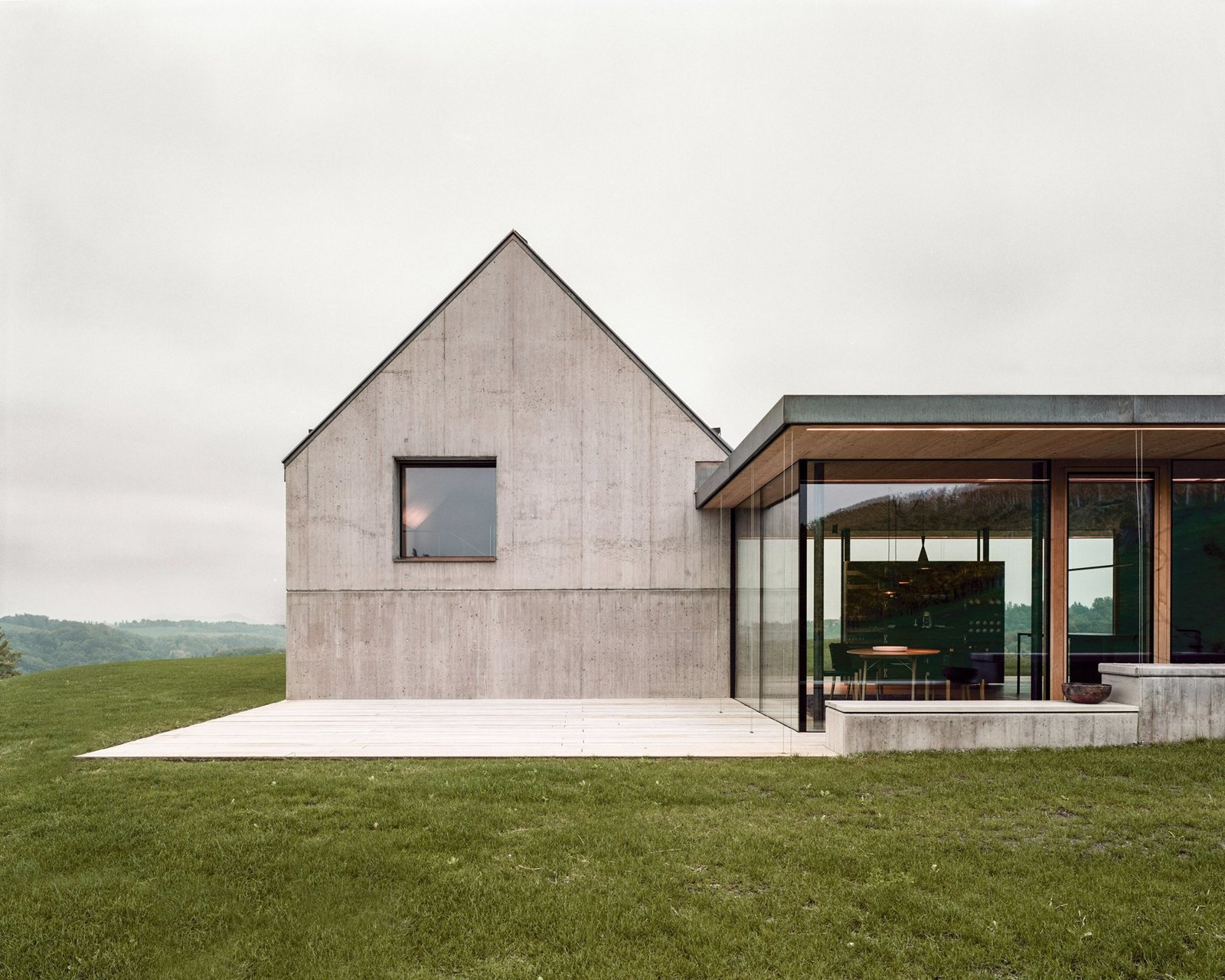 Photo 5 of 15 in A Former Wine Press House Becomes a Modern Vineyard Home