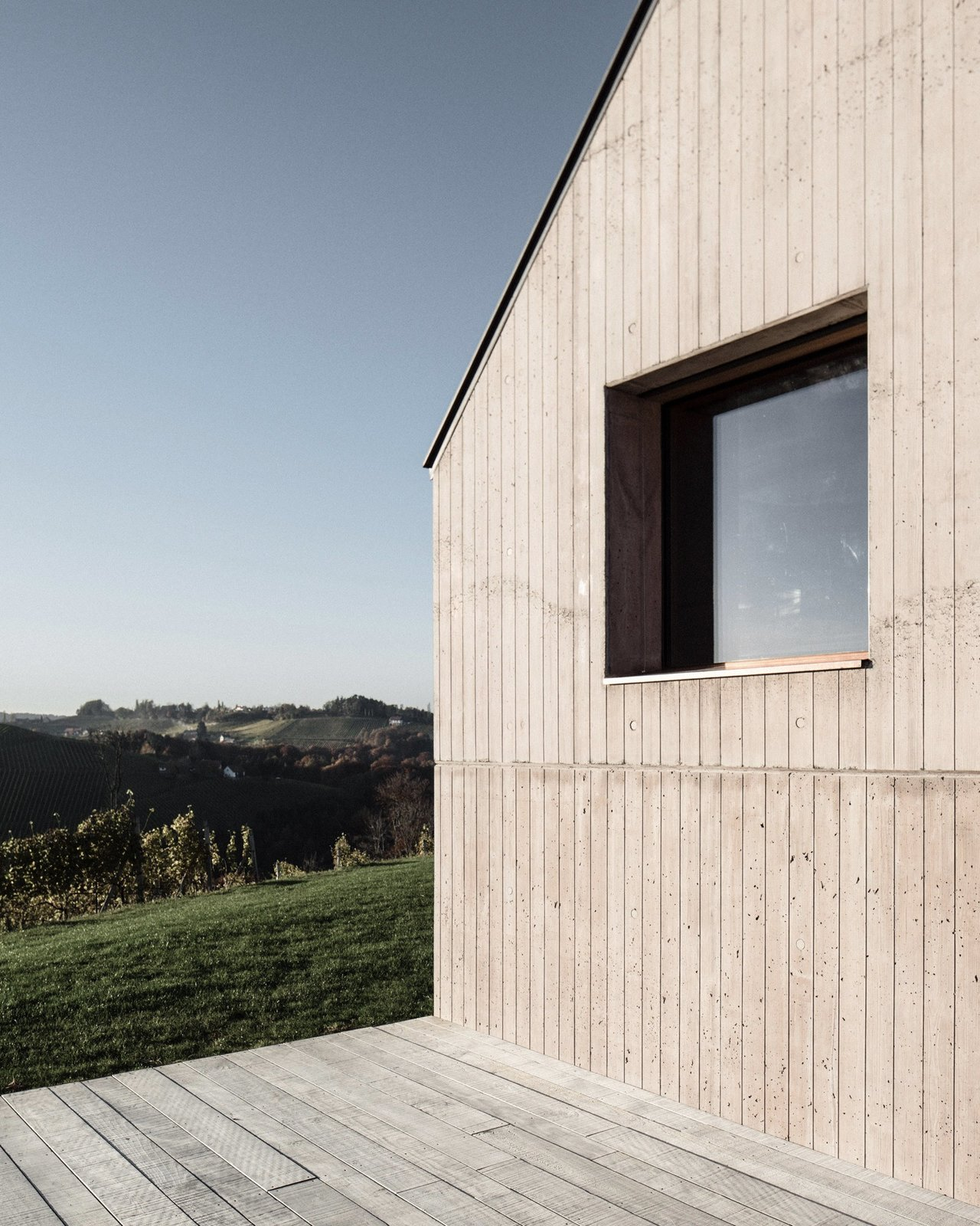 Photo 6 of 15 in A Former Wine Press House Becomes a Modern Vineyard Home