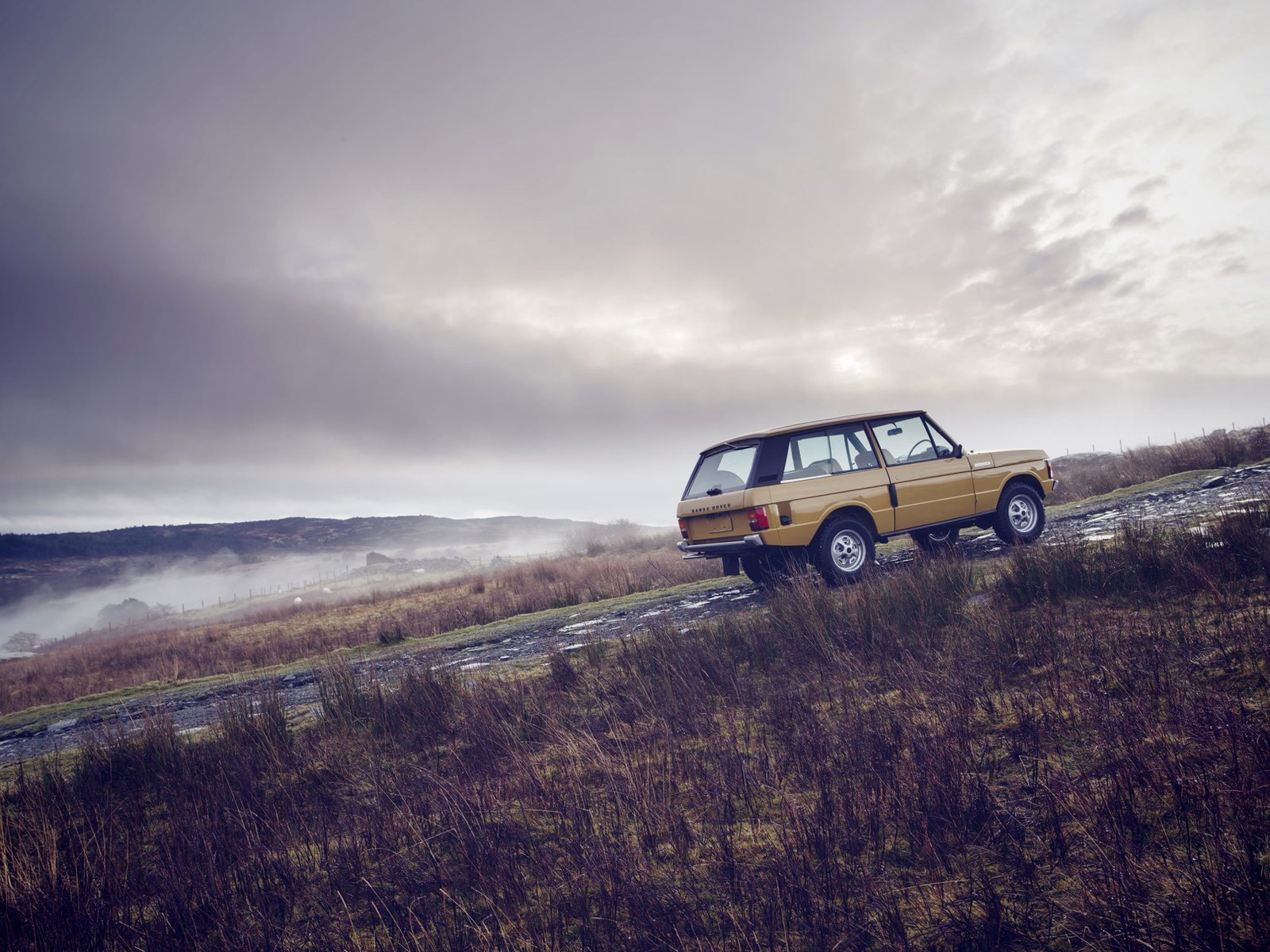 Photo 2 of 7 in 1978 Range Rover Classic Comes To The Reborn Series