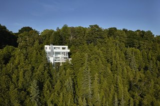 Richard Meier's 1973 Douglas House Receives Historic Designation