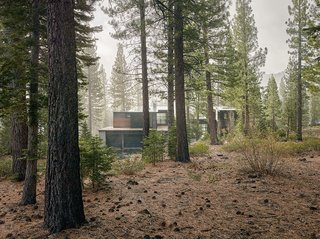 The charred cedar–clad structure in Truckee, California, was designed by architect Greg Faulkner, for a family with grown children that wanted a place to host friends.