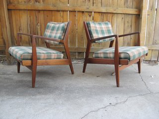 Into Danish Modern Furniture? Buy These Vintage Jens Risom Pieces Right Now - Photo 1 of 4 -