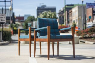Into Danish Modern Furniture? Buy These Vintage Jens Risom Pieces Right Now - Photo 3 of 4 -