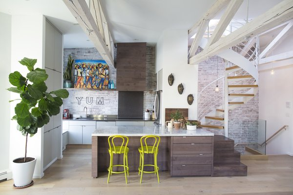 This Modern Boston Renovation Expertly Mixes in Colorful Craft Finds
