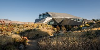 Two Art World Veterans Live in This Mind-Bending Metal Home in Nevada