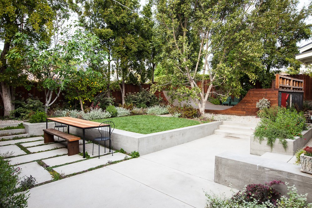 Outdoor, Concrete Patio, Porch, Deck, and Large Patio, Porch, Deck  Modern Skate from Eagle Rock House